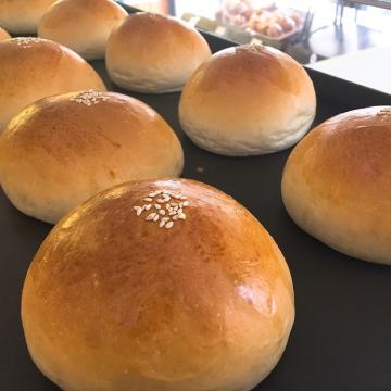 鮮奶芋頭麵包-台中梧棲麵包店推薦